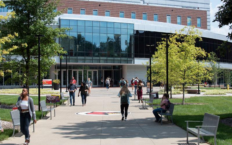 belknap academic building quad