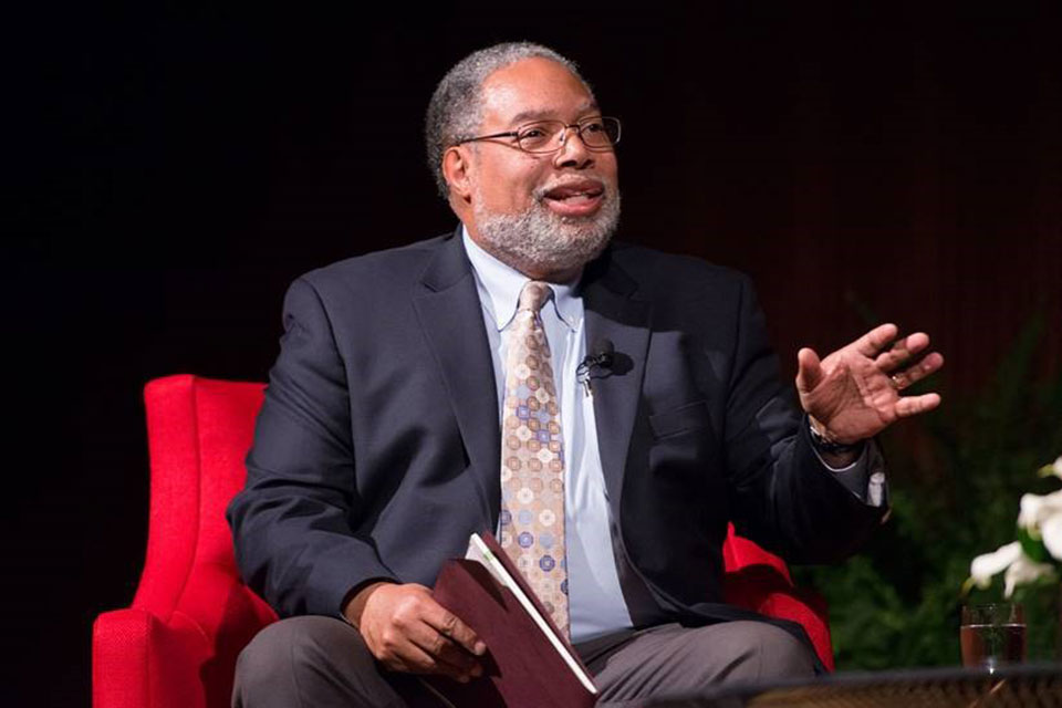 Smithsonian leader chronicles National Museum of African American History and Culture