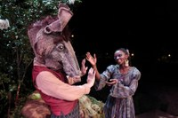 Kentucky Shakespeare shows shades of Cardinal Red