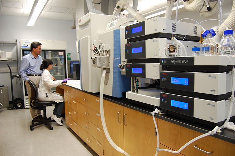New Chemistry Instrument Vastly Expands Research Capabilities
