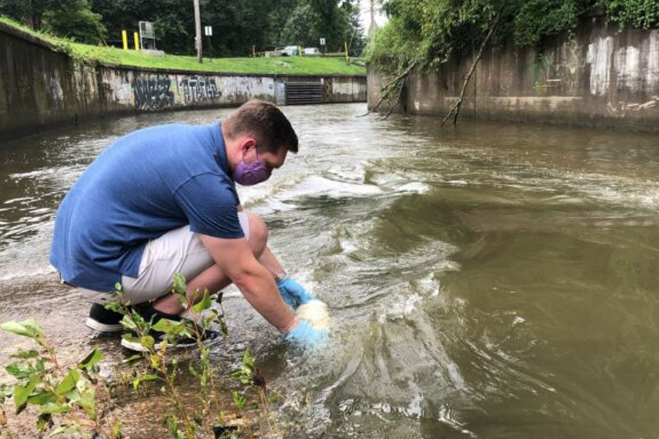 UofL students invent new test for water pollution