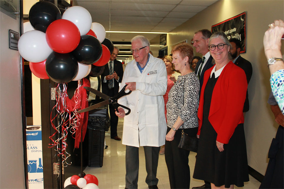 Inspired by experience as a student, Chemistry Alum renovates lab