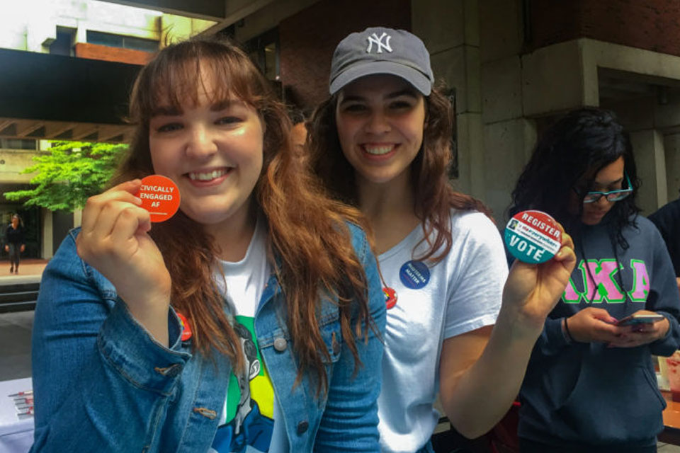 Student ambassadors work to get out the vote