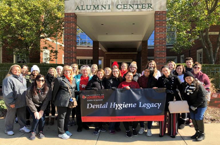 Image of the University of Louisville Dental Hygiene Floss Walk 2019