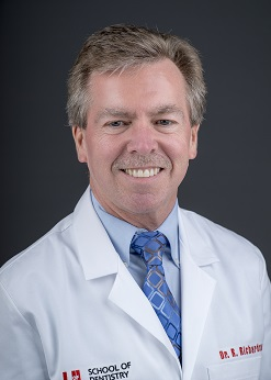 Image of Dr. Roger W. Richardson, DMD at the University of Louisville School of Dentistry