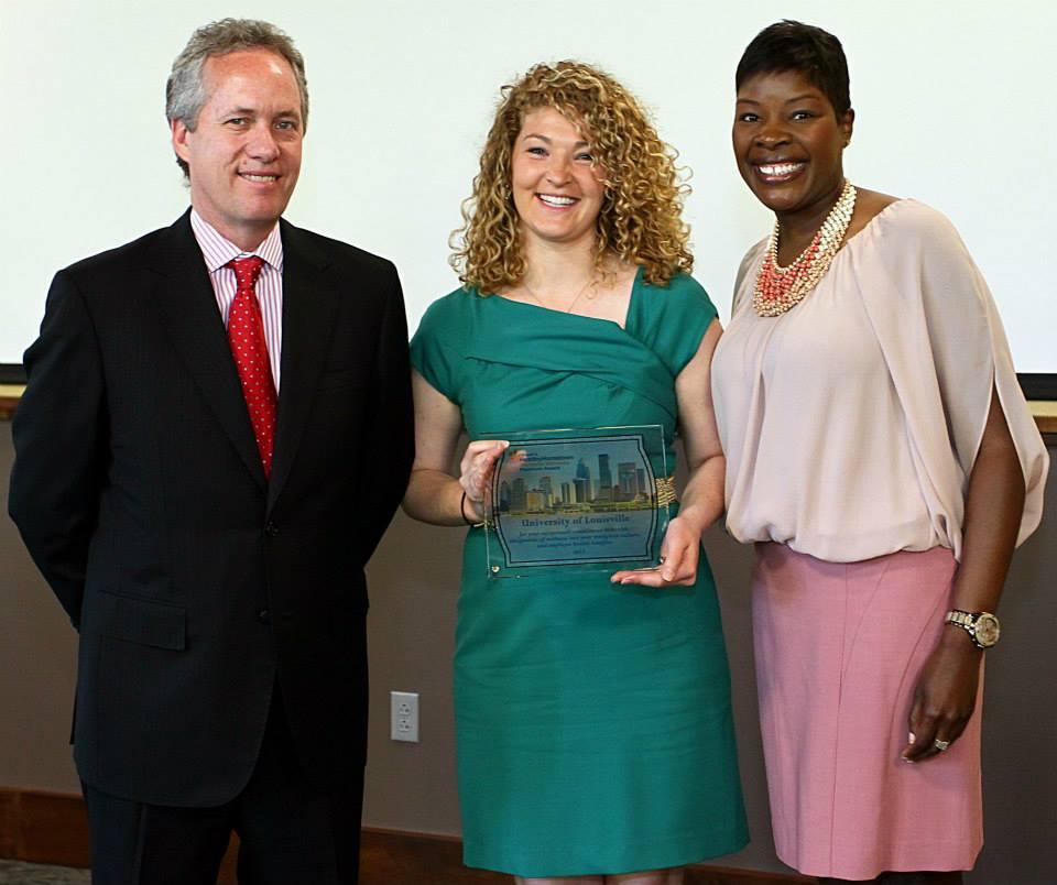 Stephanie Weldy receives 2013 Mayor's Worksite Wellness Award from Mayor Fisher