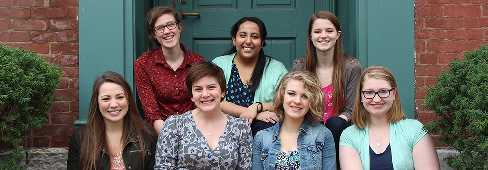 Picture of a group of current Honors students.