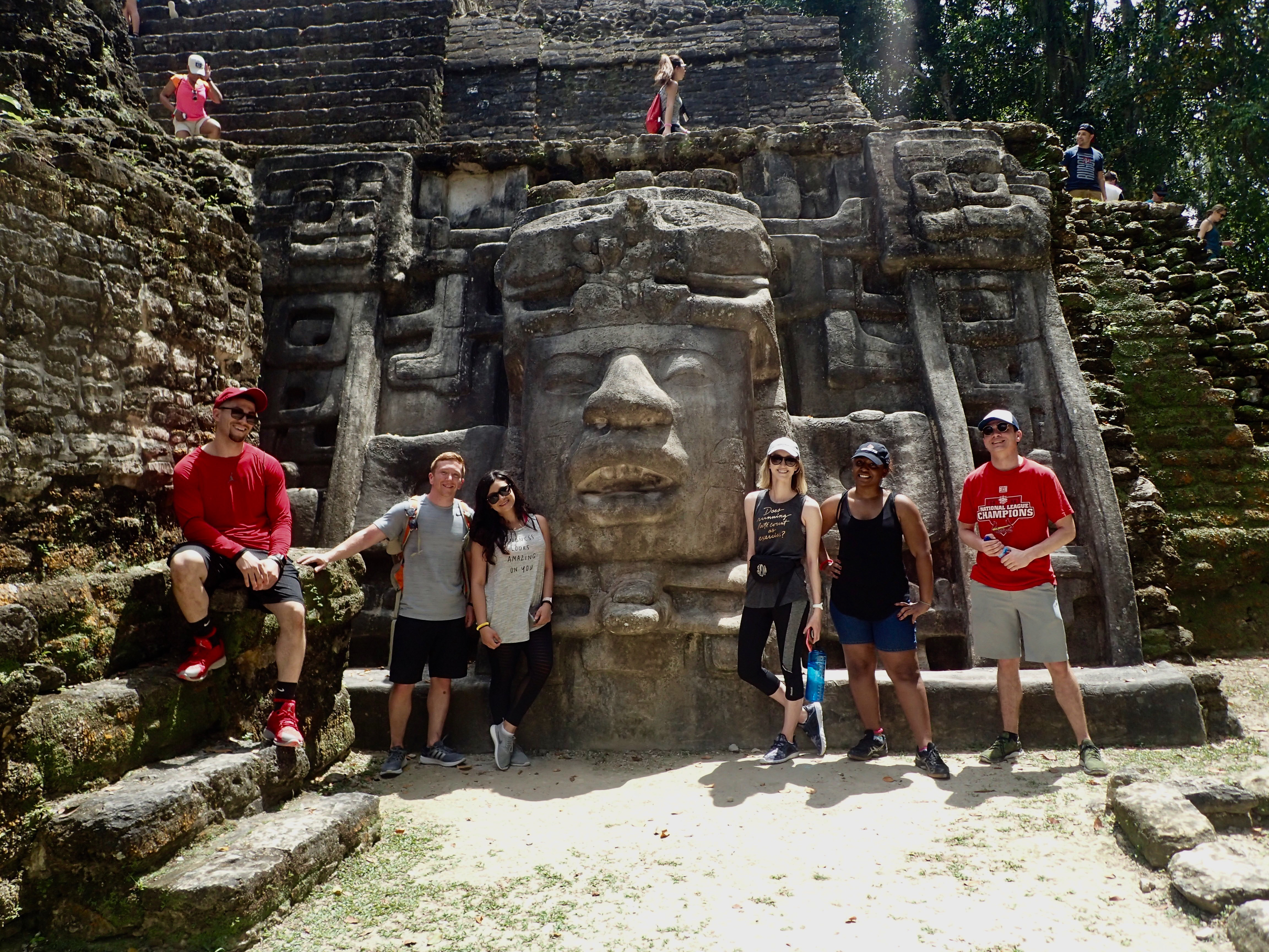 UofL students in Belize