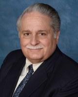 Vince Aprile ('68) presents at public defenders conference