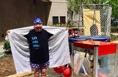 Dr. Tse Volunteering for Dunk-A-Doc
