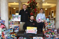 UofL medical residents donate 870 Christmas presents to Louisville kids