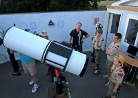 Scouts with telescope at Louisville Astronomical Society