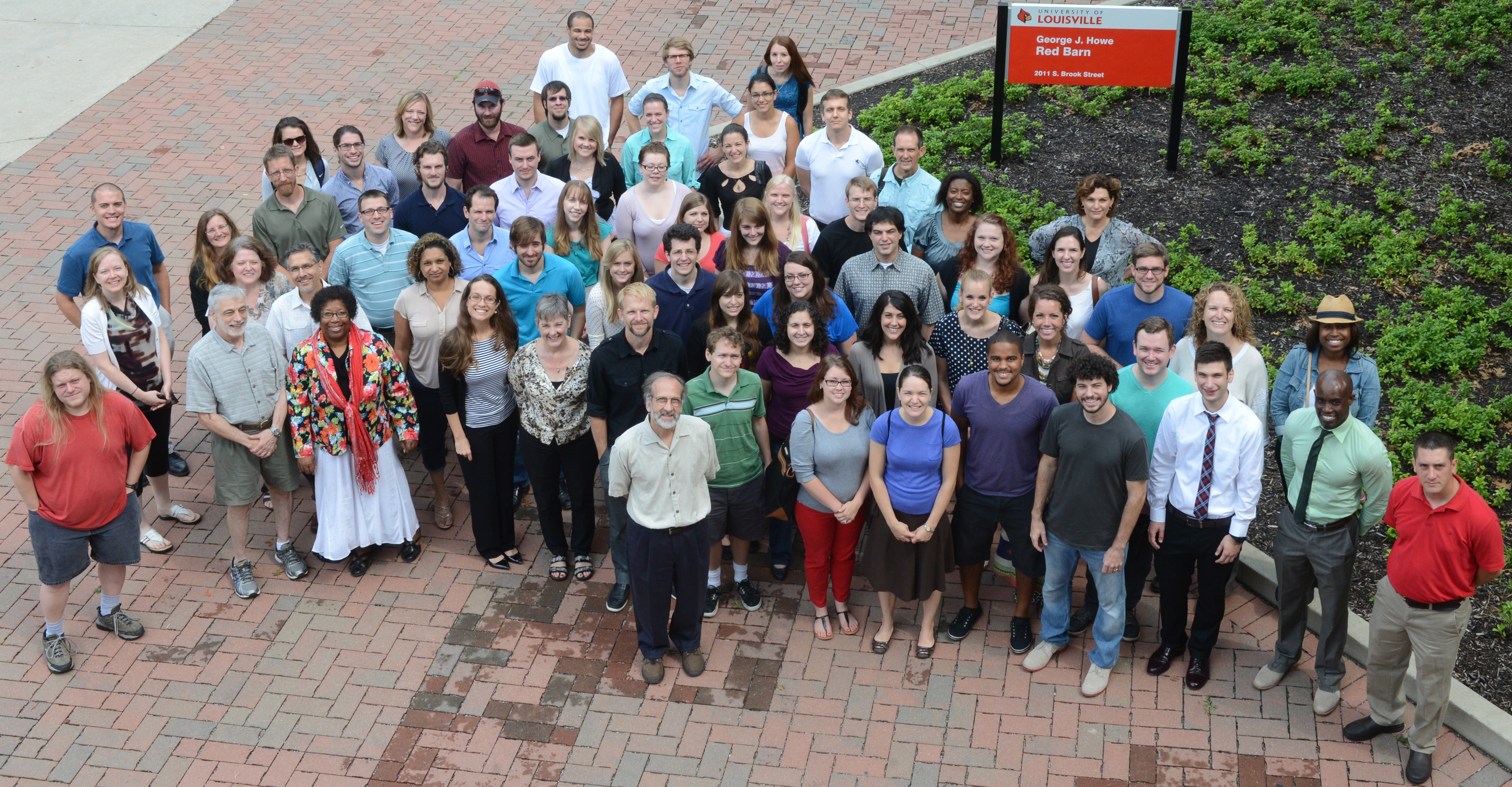 Picture of the faculty and graduate students in DPS 2013