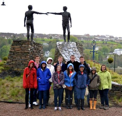 Picture of students at Hands Across the Divide, Derry/Londonderry, Northern Ireland