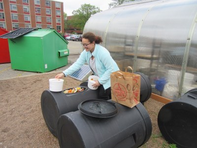Compost Your Own at Garden Commons!